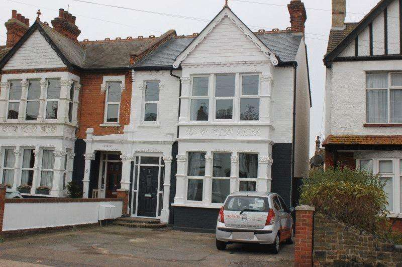 2 Bedrooms Ground Flat for sale in Ceylon Road, Westcliff-On-Sea