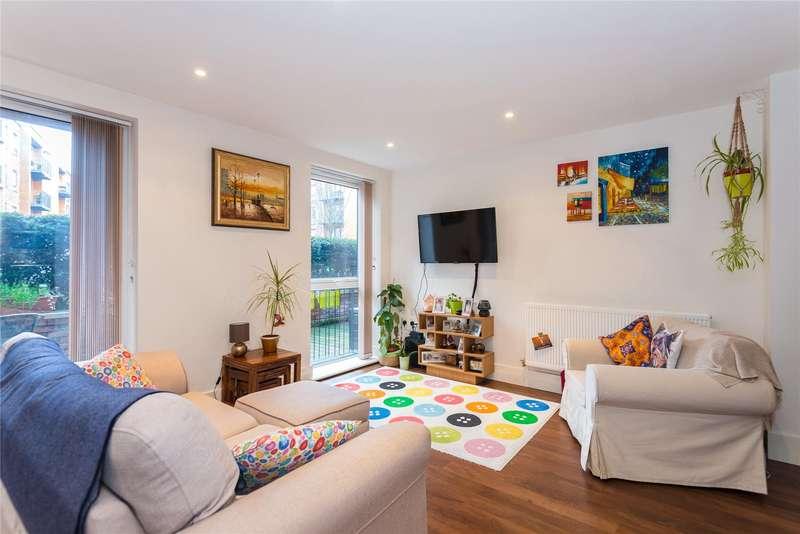 2 Bedrooms Flat for sale in Attlee Court, Unwin Way, Stanmore, HA7