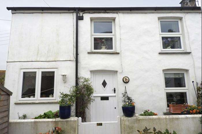 2 Bedrooms Cottage House for sale in ROBINS NEST, 11A THE GUE, PORTHLEVEN, TR13