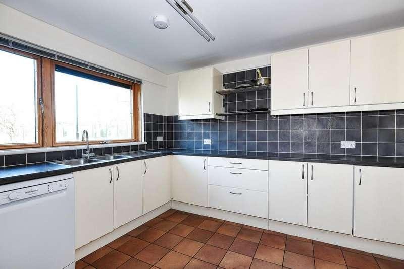 4 Bedrooms Maisonette Flat for sale in Southwark Park Road, Bermondsey