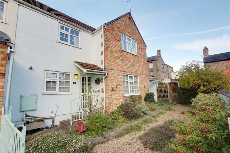 2 Bedrooms Semi Detached House for sale in Park Road, Alford