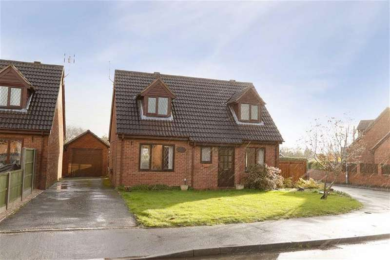 3 Bedrooms Detached House for sale in The Briars, Cockshutt, SY12