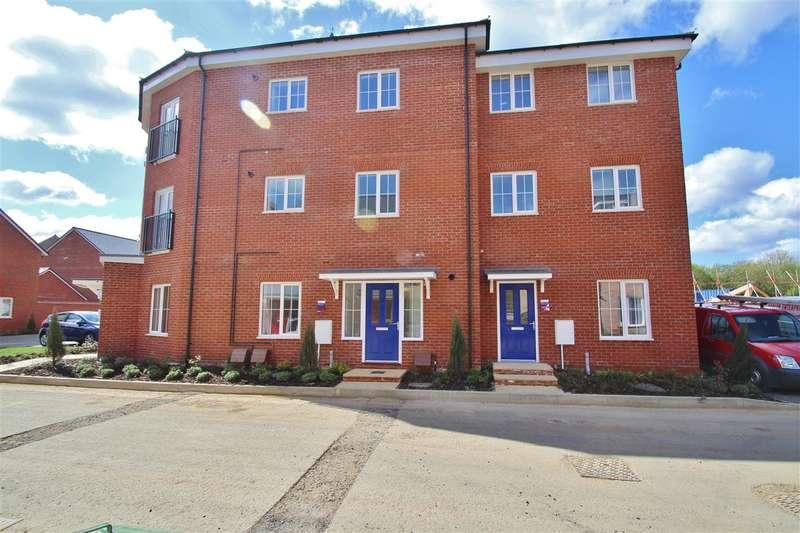 2 Bedrooms Maisonette Flat for sale in Foundry Drive, Buckingham