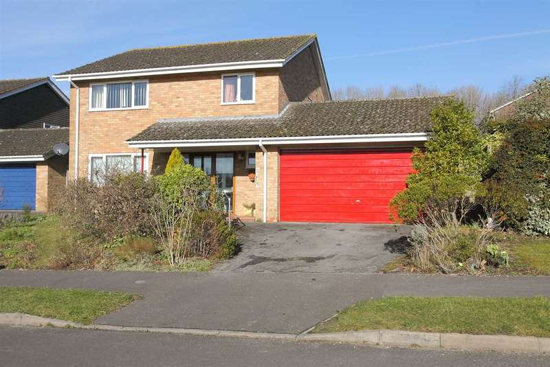 4 Bedrooms Detached House for sale in Lordsfield Gardens, Overton