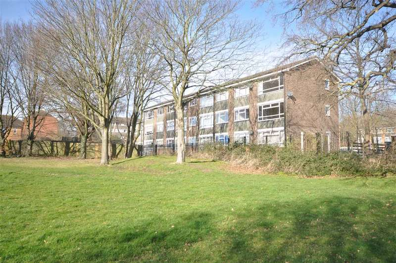 2 Bedrooms Flat for sale in Thorrington Bold, Brentwood