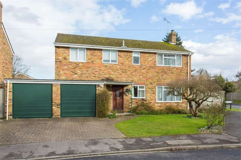 4 Bedrooms Detached House for sale in The Drive, Chalfont St Peter, Buckinghamshire
