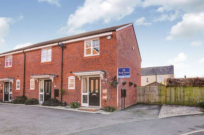 2 Bedrooms Semi Detached House for sale in Admiral Way, Hyde, SK14
