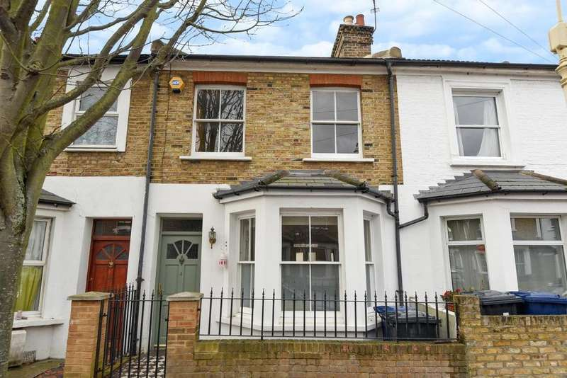 3 Bedrooms Terraced House for sale in Coningsby Road, Ealing