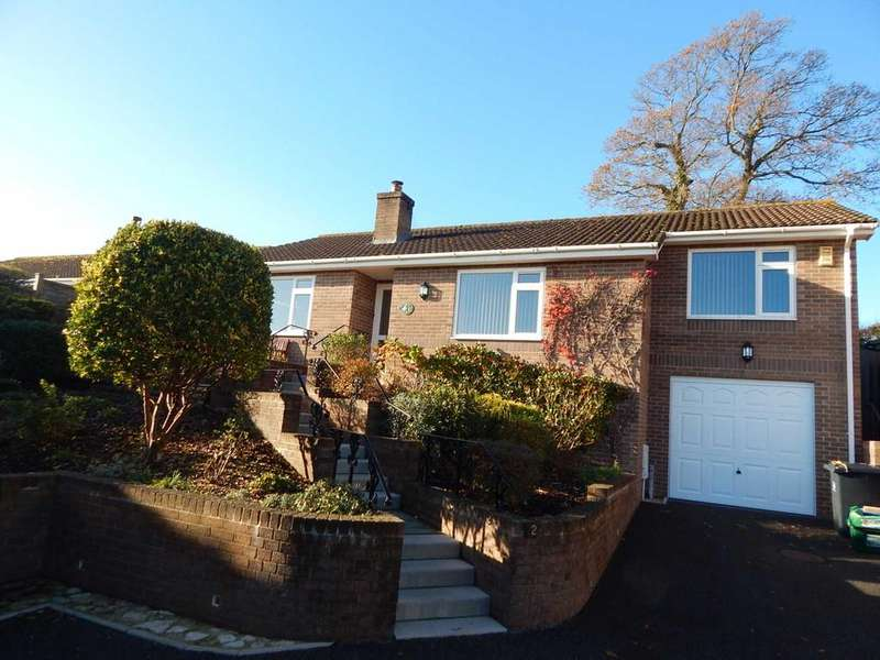 2 Bedrooms Detached Bungalow for sale in Oaklands Close, Seaton, Devon
