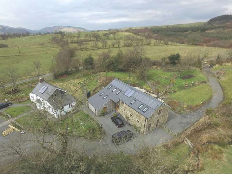 4 Bedrooms Barn Conversion Character Property for sale in Blaenglanhanog and Ger Yr Hanog, Carno