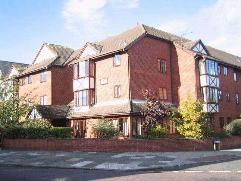 1 Bedroom Retirement Property for sale in Birkenhead Road, Hoylake
