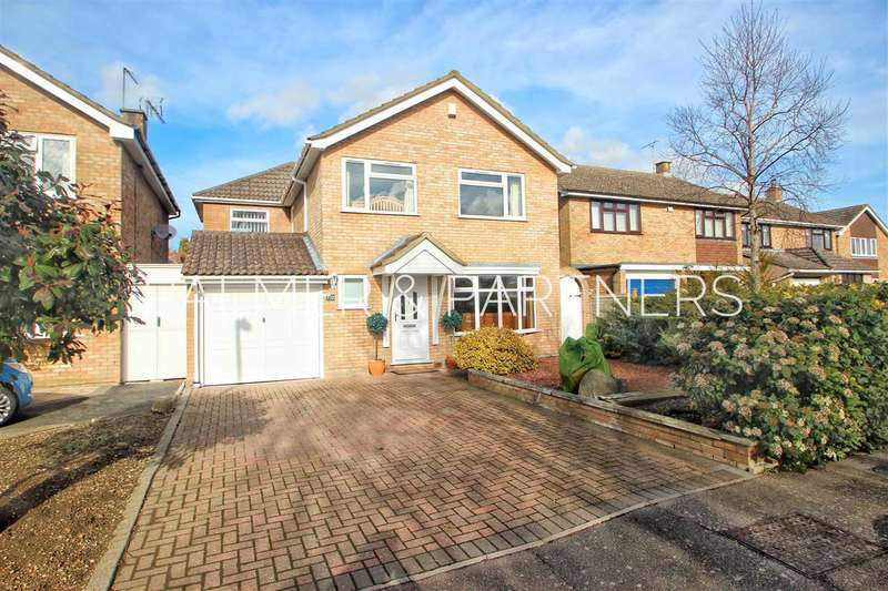 4 Bedrooms Detached House for sale in Proctor Way, Marks Tey, Colchester