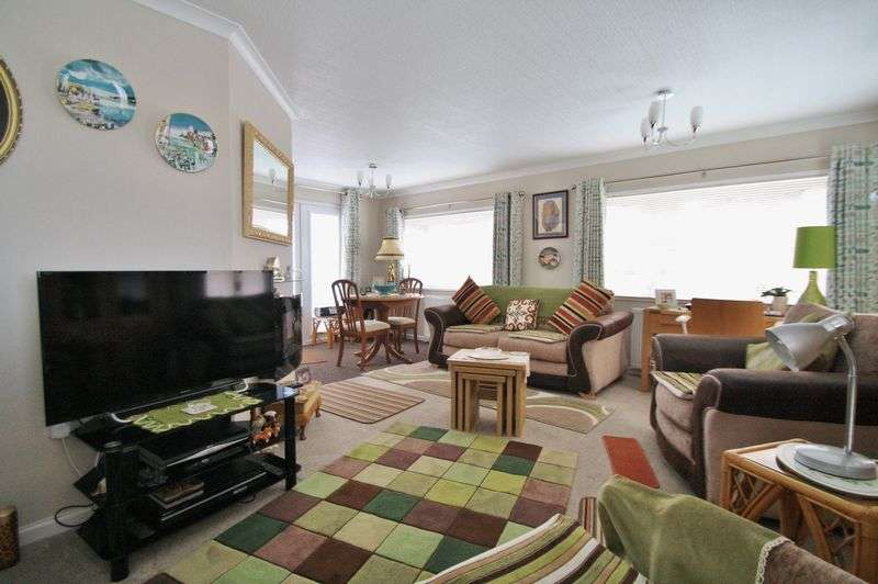 2 Bedrooms Property for sale in Green Road, Shillingford Hill, Shillingford