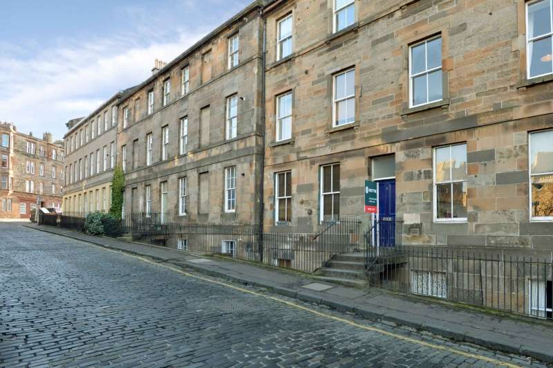 1 Bedroom Flat for sale in Canon Street, Canonmills, Edinburgh, EH3 5HE