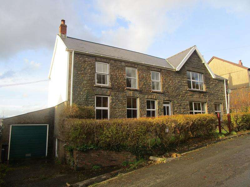 5 Bedrooms Detached House for sale in 2 Gorsafle , Ystradgynlais, Swansea.