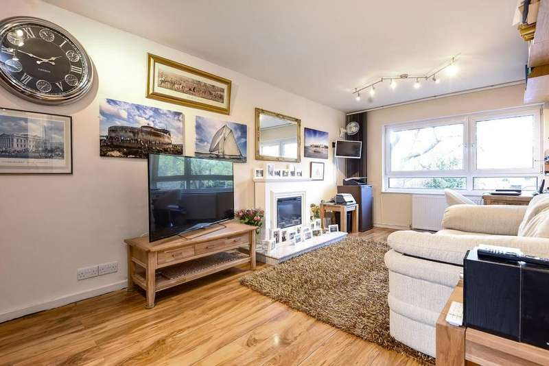 1 Bedroom Flat for sale in Bartholomew Close, Battersea