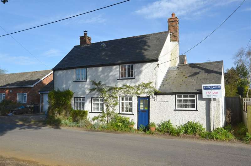 3 Bedrooms Detached House for sale in Pilley Street, Pilley, Lymington, Hampshire, SO41