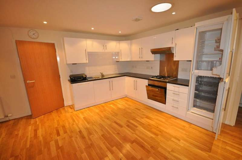 2 Bedrooms Apartment Flat for rent in Apartment 5, St Peters Court, Howden