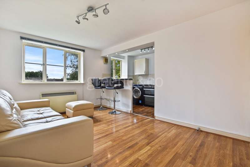 1 Bedroom Flat for sale in Dairyman Close, Cricklewood, London, NW2