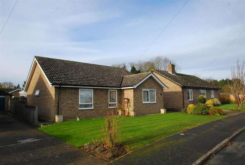 4 Bedrooms Bungalow for sale in Benyon Gardens, Culford, Bury St. Edmunds