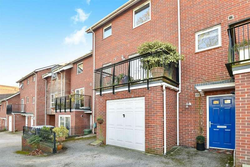 2 Bedrooms Town House for sale in Winchester, Hampshire