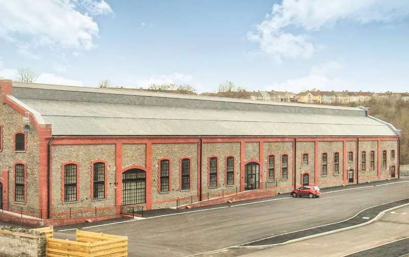 2 Bedrooms Apartment Flat for sale in The Great Engineering Hall, Winding Wheel Lane