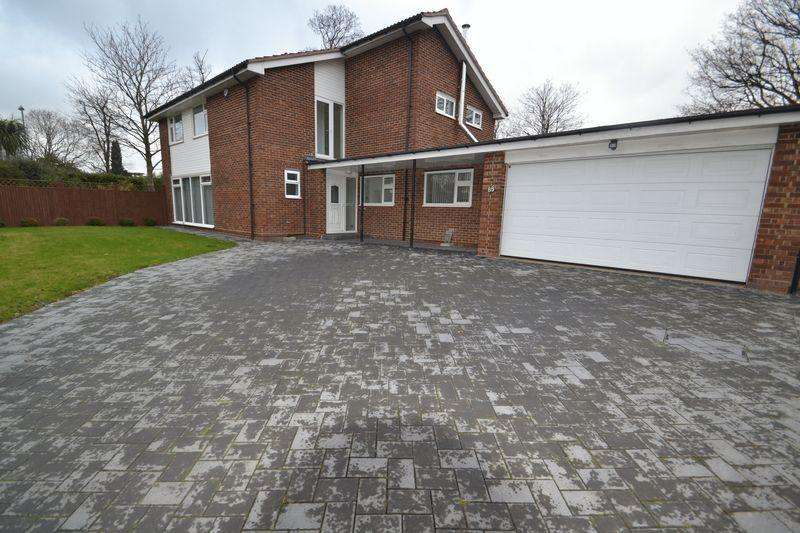 4 Bedrooms Detached House for rent in St Georges Road West, Bickley, Bromley