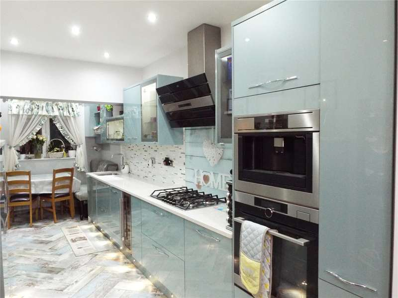 3 Bedrooms Maisonette Flat for sale in Chadbury Court, Watford Way, Mill Hill, London, NW7