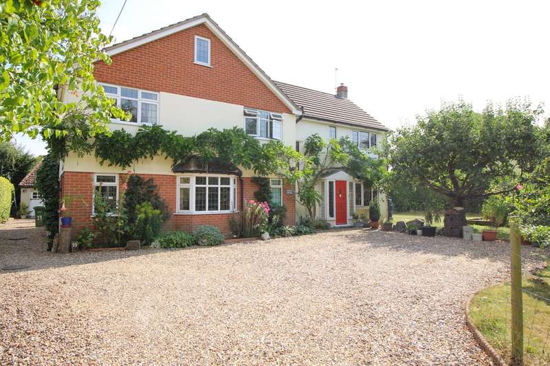 5 Bedrooms Detached House for sale in Newfield Road, Sonning Common, RG4