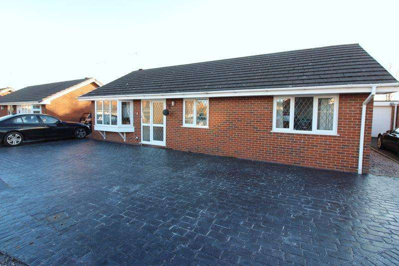 3 Bedrooms Bungalow for sale in Firbeck Close, Chester