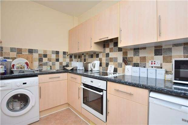 2 Bedrooms End Of Terrace House for sale in Barton Street, GLOUCESTER, GL1 4HT