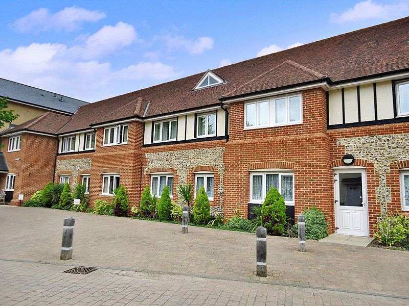 2 Bedrooms Property for sale in Lydgate Court, Bury St. Edmunds, IP33 2FB