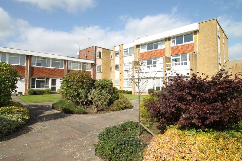 2 Bedrooms Apartment Flat for sale in Fittleworth Gardens, Church Farm Gardens, Rustington, BN16