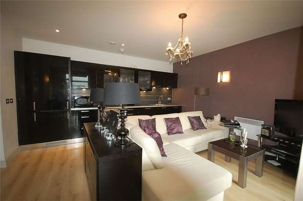 2 Bedrooms Flat for sale in Great Northern Tower, Watson Street, Manchester