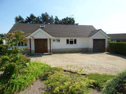 4 Bedrooms Bungalow for sale in Ashley Heath, Ringwood, Hampshire