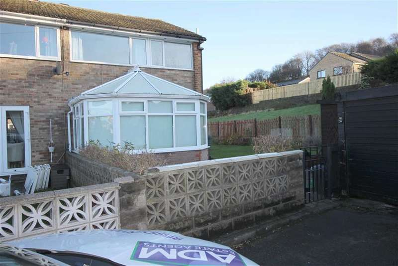 3 Bedrooms Town House for sale in Greenroyd, Greetland, Halifax