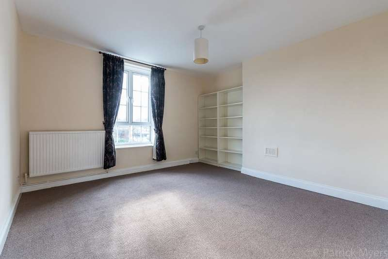 3 Bedrooms Flat for sale in Dog Kennel Hill, East Dulwich, London, SE22 8BZ