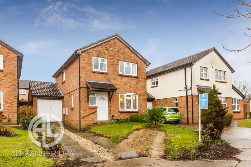 4 Bedrooms Detached House for sale in Swift Close, Letchworth, SG6 4LJ