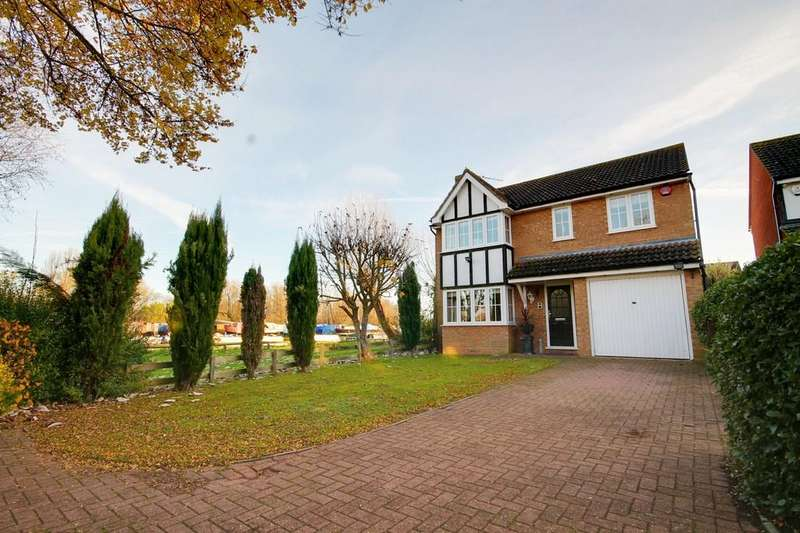 4 Bedrooms Detached House for sale in Rush Close, Stanstead Abbotts