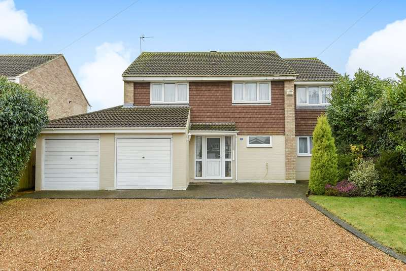 5 Bedrooms Detached House for sale in Park Close, Oakley, Basingstoke, RG23