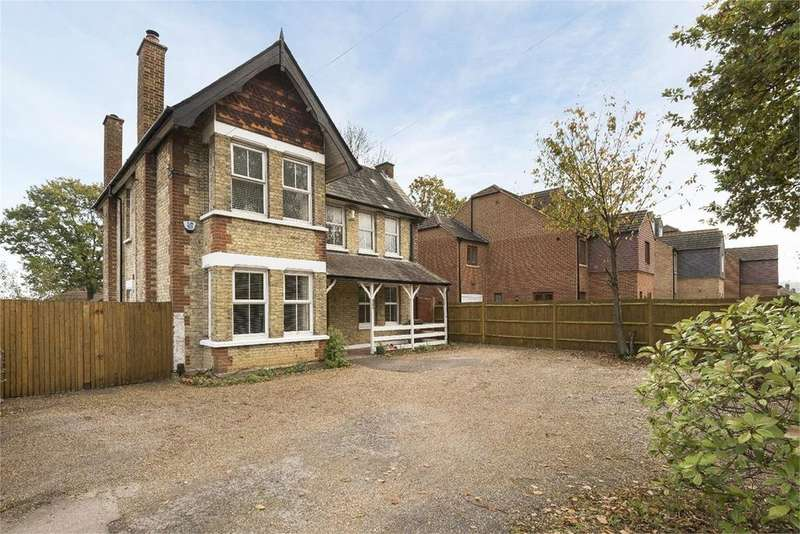 4 Bedrooms Detached House for sale in Walderslade Road, Chatham, ME5