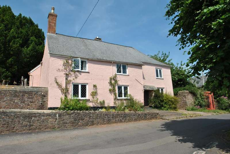 5 Bedrooms Detached House for sale in Wootton Courtenay, Minehead