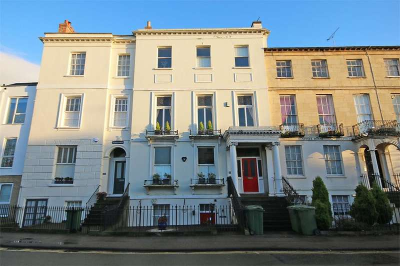 3 Bedrooms Flat for sale in Pittville, Cheltenham