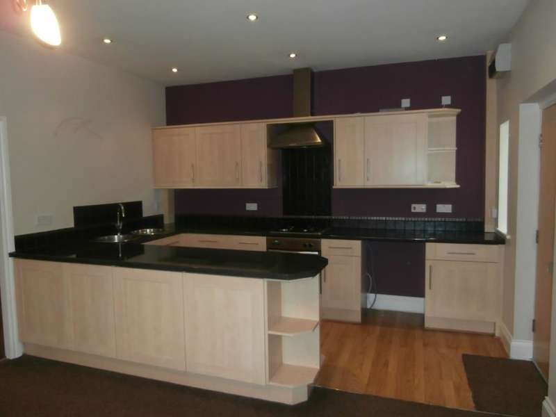 2 Bedrooms Flat for rent in The Conifers Nicholas Street, Briercliffe, Burnley, BB10