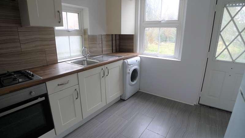 3 Bedrooms Property for sale in Scotney Street, Peterborough, Cambridgeshire. PE1 3NF