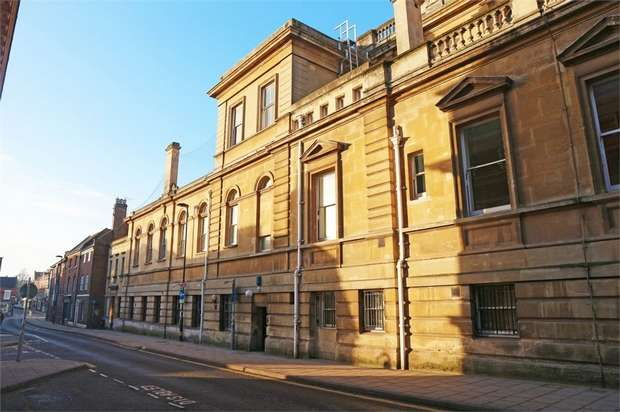 2 Bedrooms Flat for sale in King Street, Norwich, Norfolk
