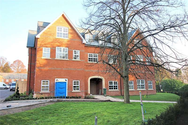 2 Bedrooms Flat for sale in Goldring Court, Goldring Way, London Colney, St. Albans, AL2