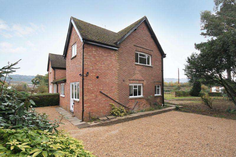 3 Bedrooms Semi Detached House for rent in Buckland, Betchworth, RH3
