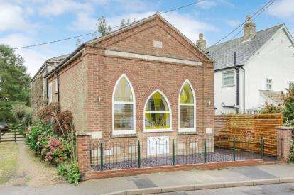 3 Bedrooms Detached House for sale in High Street, Offord D'Arcy, St. Neots, Cambridgeshire