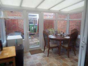 2 Bedrooms Semi Detached House for sale in Aerodrome Road, Hawkinge, Kent